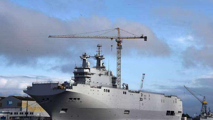 Fast eine Milliarde Euro zahlt Frankreich an Russland zurück, weil es den Kauf zweier Helikopterträger (Bild) platzen liess. (Archivbild)