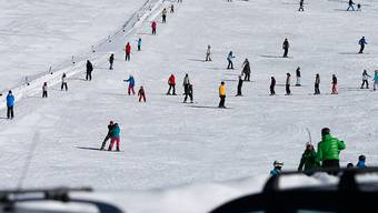 Viele Schneesportler, wenig Platz: Diesen Winter gab es zahlreiche Kollisionen - alleine drei am Freitag in den Flumserbergen. (Symbolbild)