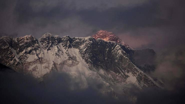 Abendrot am Mount Everest: Hier verstarb Ueli Steck am Sonntag, 30. April, bei einer Trainingsexpedition.