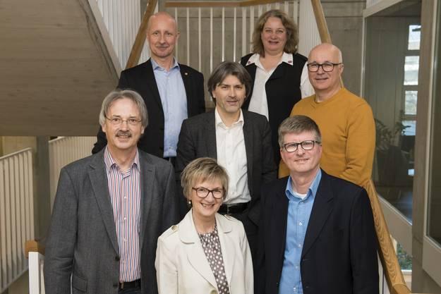 Der neu gewählte Stadtrat von Schlieren (noch ohne Präsident/-in) im Stadthaus.