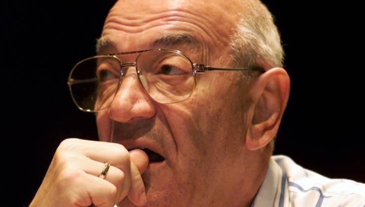 Der Schweizer Schach-Grossmeister Viktor Kortschnoi in ein er Archivaufnahme aus dem Jahr 2001