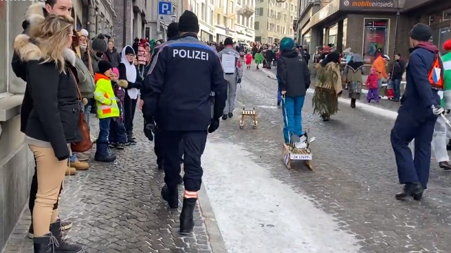 Polizei verteilt 100 Bussen an uneinsichtige Fasnächtler