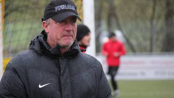 FCA-Trainer Marco Schällibaum während des Trainings seiner Mannschaft
