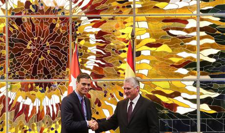 Spaniens Regierungschef Sánchez macht historischen Besuch in Kuba