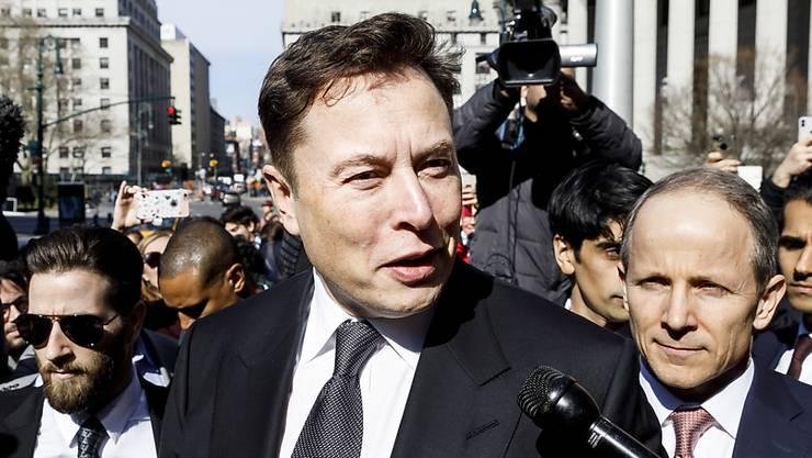 Tesla-Chef Elon Musk und die US-Börsenaufsicht SEC sollen sich in einem Streit gütlich einigen - dies forderte eine Richterin am Donnerstag in New York.