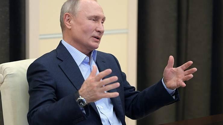 Russlands Präsident Wladimir Putin hat an die grossen Verdienste der Roten Armee erinnert.