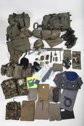 Die ganze Ausrüstung der Schweizer Armee. Wir erheben keinen Anspruch auf Vollständigkeit.
