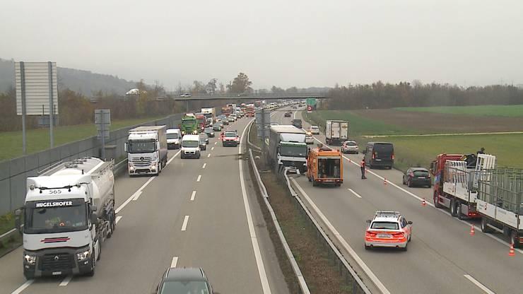 Der Unfall führte zu grossen Verkehrsbehinderungen