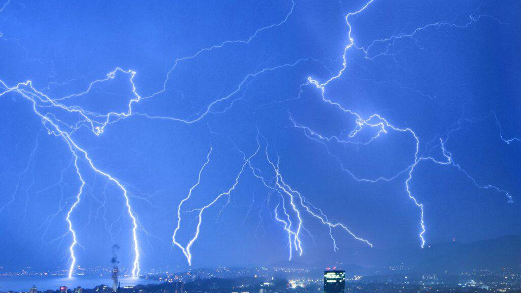 Nach Tropennacht sind starke Gewitter angesagt
