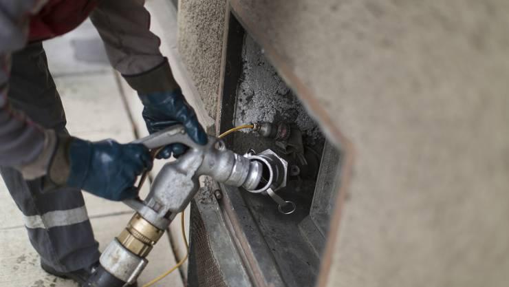Wer kontrolliert die Ölheizung? Das soll Hausbesitzern überlassen werden.