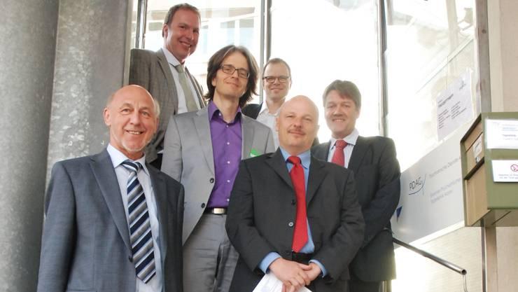 Von links: Urs-Peter Müller (VR), Christoph Ziörjen (CEO), Patrick Jeger (Leiter Tagesklinik), Urs Hepp (Chefarzt), Patrick Wagner (VR-Präsident) und Urs Nyffeler (Departement Gesundheit und Soziales). ksc