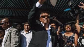 Liegt bei der Präsidentenwahl vorne: Robinson Jean-Louis (Mitte)