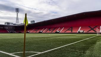 In der Schweiz finden am Wochenende keine Fussball-Partien statt. Im Bild die verlassene Maladière in Neuenburg