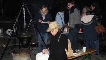 In der Weihnachtszeit vor zwei Jahren: Das christliche Sozialwerk Hope veranstaltete einen Fondueabend auf der Gasse beim Bahnhofplatz.