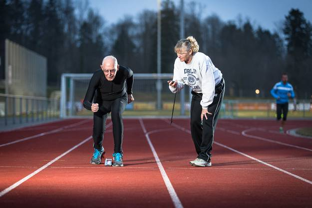 Mit seiner Personal Trainerin Sylvia Gattiker.