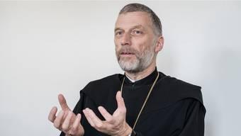 Abt Peter von Sury hatte früher Mühe mit Leuten, die nur zu Weihnachten in die Kirche strömten. Heute freut er sich, wenn die Menschen «wirklich schöne Weihnachten erleben».