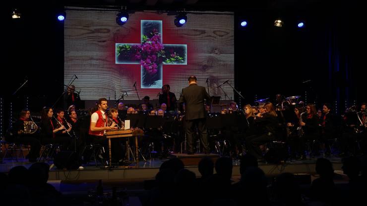 Das Urdorfer Blasorchester spielte am Samstagabend Lieder wie «Kiosk» von Polo Hofer oder «Heimweh» von Plüsch