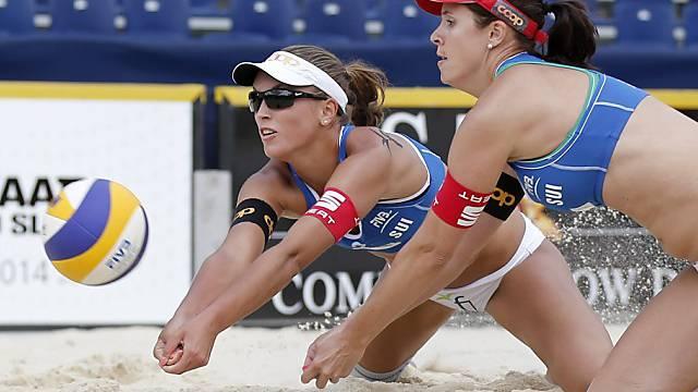 Isabelle Forrer (vorne) und Anouk Vergé-Dépré in Aktion