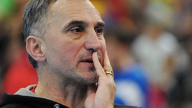 Der Schweizer Coach Goran Perkovac zeigt sich nachdenklich.