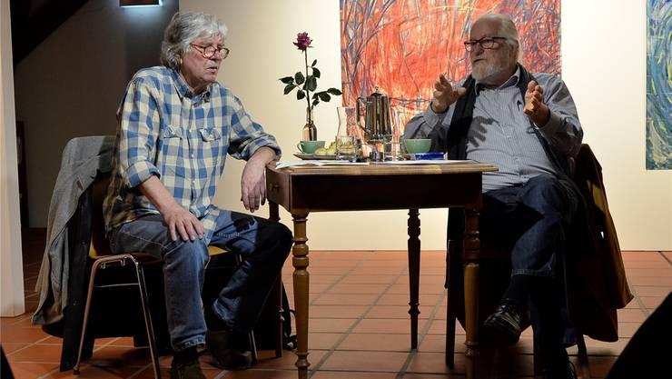 Ernst Häusermann (links) und Markus Müller beim Gespräch im Brugger Zimmermannhaus.