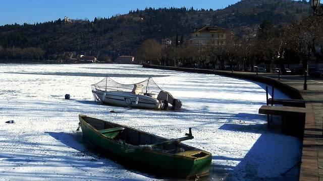 Kälte in Griechenland: Boote stecken im Eis fest (Archiv)
