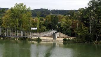 Bei der Treppe auf der Aareinsel bei Auenstein kam es zum Unfall.