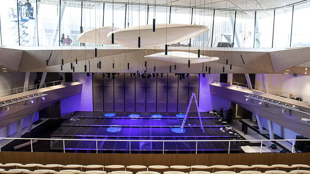 Konzerthalle mit Aus- und Einblick: Der neue Spielort in Andermatt UR verfügt über eine Fenstergalerie und ein Nachhall-System.