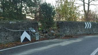 Ein 55-jähriger kam in Würenlos von der Strasse ab und durchbrach eine alte Mauer. Ausgerechnet beim Bickgut des AZ-Verleger Peter Wanner