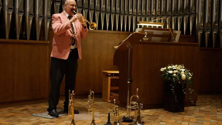 Barockes und Modernes auf fünf Trompeten und einem Waldhorn: Solist Peter Rey begeisterte an der Seite von Organist Gilberto Fischli.