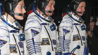 Kurz vor dem Start ihrer Rakete am Donnerstagabend (v.l.): Die Raumfahrer Christina Koch, Alexej Owtschinin und Nick Hague.