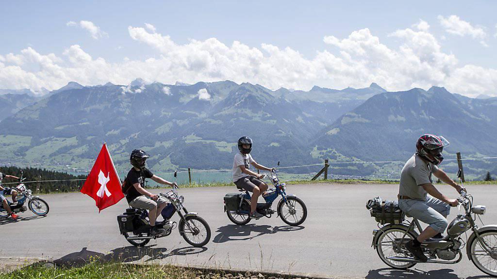 Besonders beliebt bei Töffli-Fans: Touren in ländlichen Gegenden. (Symbolbild)