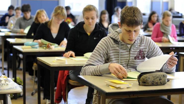 Weil Lehrer zu tiefe Erwartungen an Schüler mit Migrationshintergrund haben, mindern sie deren Aufstiegschancen. (Symbolbild)