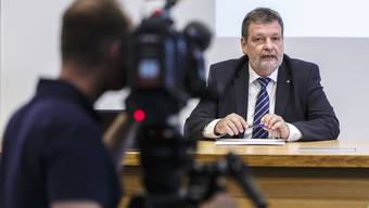 Einen Moment wie jenen, als er die hauchdünne Niederlage «seiner» Vorlage erklären musste, möchte Finanzdirektor Roland Heim am 9. Februar nicht noch einmal erleben.
