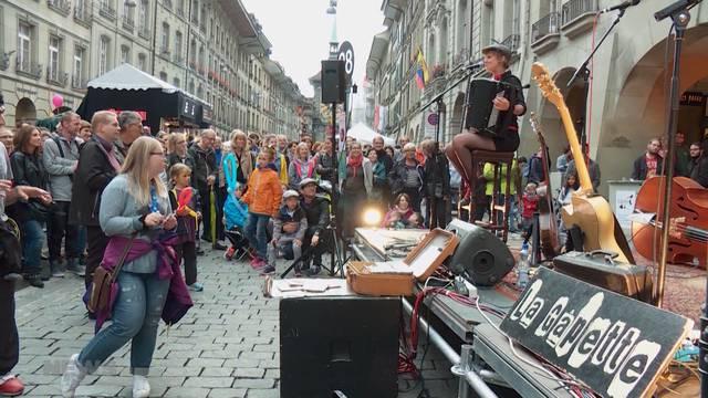 Buskers Festival der Kälte ausgesetzt