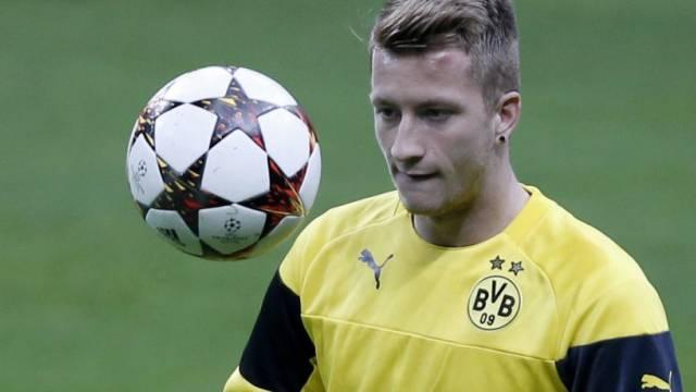 Dortmunds Marco Reus wird kräftig zur Kasse gebeten.