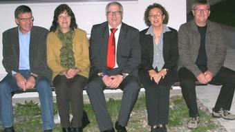 Behördenvertreter Heinz Kim (Zuzgen), Kathrin Hasler (Hellikon), Bankleiter René Hirt, Gisela Traufer (Zeiningen), Willy Schmid (Wegenstetten). mp