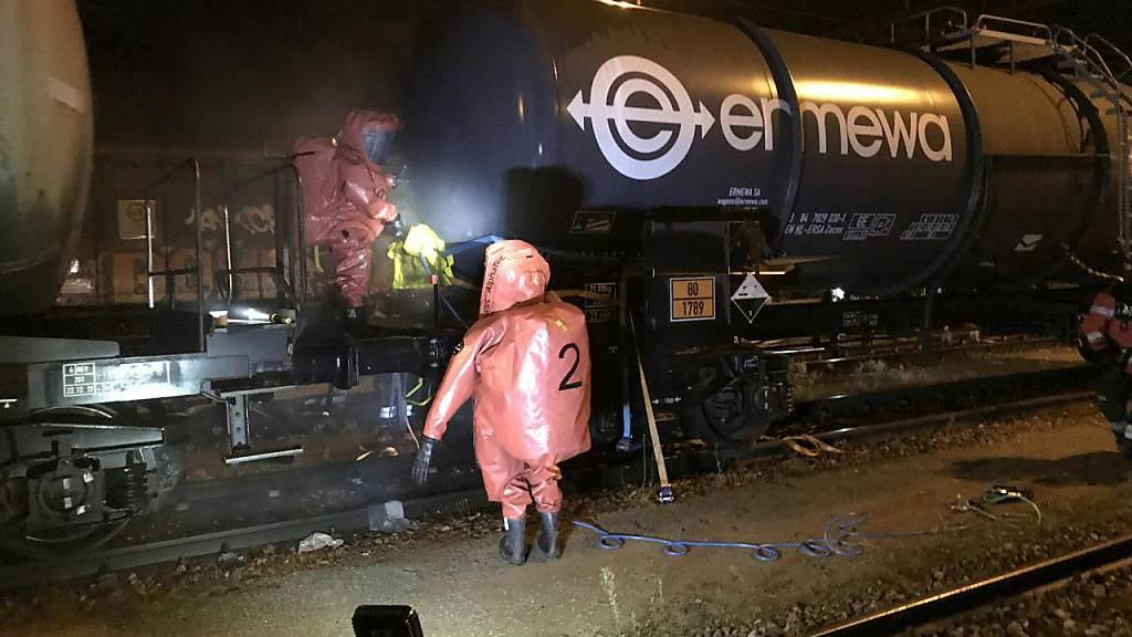 Einige hundert Liter Salzsäure im Güterbahnhof Muttenz ausgelaufen