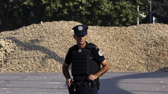Ein Polizist in Mitrovica (Archiv)
