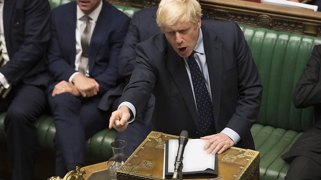 Grossbritannien, Italien, Hongkong: Politische Entwicklungen sorgen für Erleichterung an den Finanzmärkten. Unter anderem droht Premierminister Boris Johnson ein Gesetz gegen einen No-Deal-Brexit.