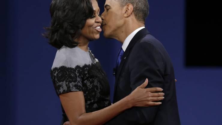 """Barack und Michelle Obama haben gerne Spass: Zum """"Star Wars""""-Tag tanzte das US-Präsidentenpaar mit Figuren der Weltraumsaga. (Archivbild)"""