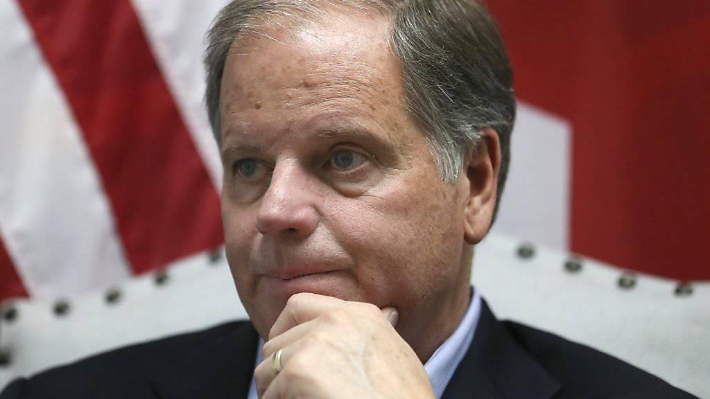 Er lässt die republikanische Mehrheit im US-Senat weiter schrumpfen: der neue demokratische Senator aus Alabama: Doug Jones (in einer Aufnahme vom 13. Dezember 2017).