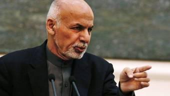 Afghanistans Präsident Ashraf Ghani, traf sich in Kabul mit dem pakistanischen Armeechef Raheel Sharif. Bei dem Gespräch ging es um einen erneuten Versuch, die Taliban zu Friedensgesprächen zu bewegen. (Archiv)