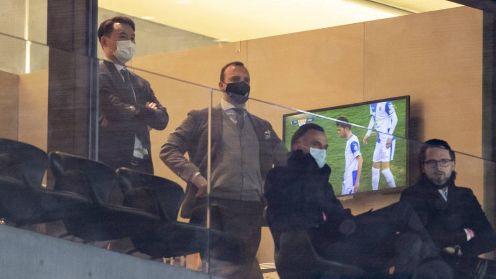 GC-Präsident Sky Sun sah sich den souveränen Sieg seiner Mannschaft von der Loge aus an