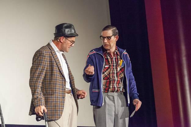 Die beiden Theaterkabarettisten Rhaban Straumann und Matthias Kunz alias Ruedi & Heinz gaben witzige Inputs, was man mit den 200'000 Franken machen könnte.