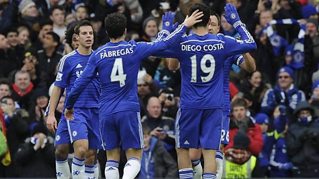 Chelsea jubelt über das 1:0 von John Terry (verdeckt).
