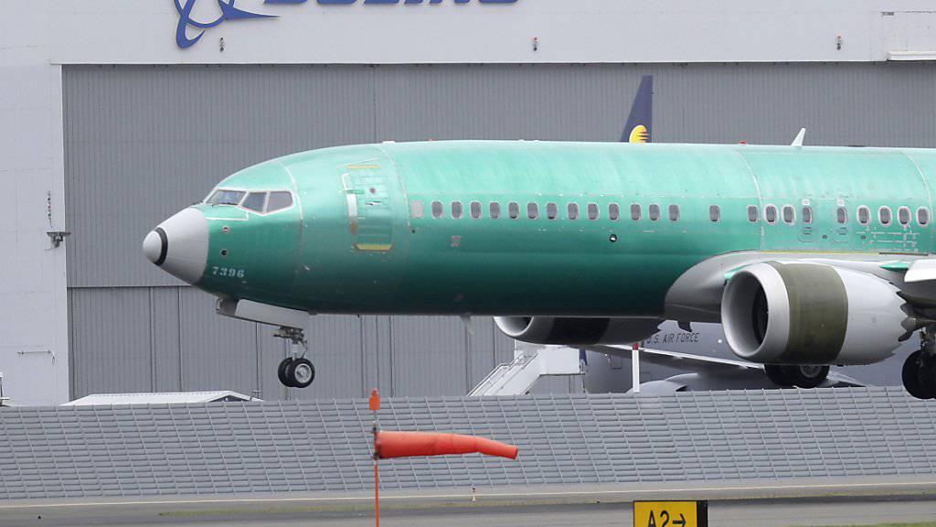 Die US-Flugaufsicht FAA hat am Sonntag neue Mängel an über 300 Boeing-Flugzeugen des Typs 737 MAX und an dem älteren Modell 737 bekanntgegeben. (Archivbild)