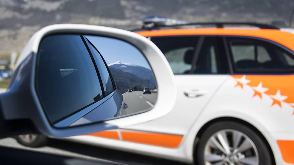 Autofahrer mit 165 km/h im Tempo-80-Bereich im Wallis gestoppt