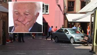 2 Jahre auf Bewährung für den Rentner, der vor einem Jahr in Bad Säckingen mit seinem Auto in eine Menschenmenge raste und 2 Menschen tötete.