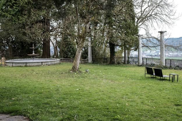 Impressionen vom Garten und Aussenbereich der Villa.