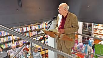 Der in Olten aufgewachsene Franz Hohler beantwortete nach der Lesung in der Buchhandlung Schreiber auch Fragen aus dem Publikum.